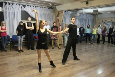 Обучение танцам — важность разминки